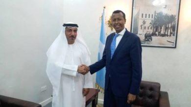 Photo of Daawo Imaaraatka oo Fulinaya Heshiisyo ay horey ula galeen Dowlada Somalia.