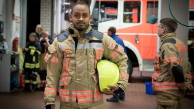 Photo of Somali asylum seeker volunteers in local German fire brigade