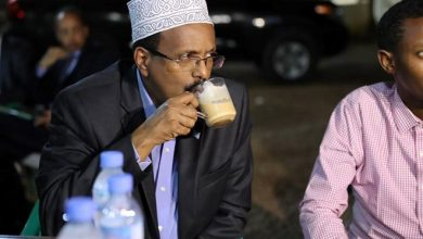 Photo of Somali lawmakers seek to impeach president amid political crisis