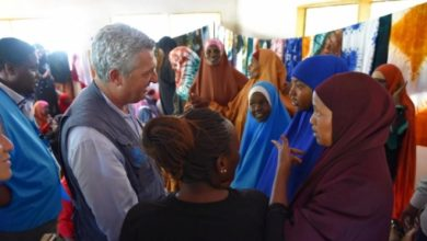 Photo of In Kenya, UN refugee chief urges support for Somali refugees and host communities