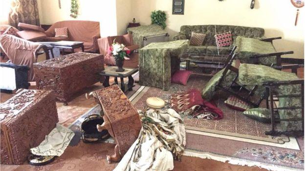 Daawo sawiro: Senator Cabdi Qeybdiid oo gurigiisa la galay & ciidamadii gashay oo