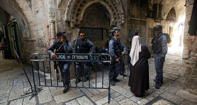 Photo of Israel committed over 1,000 violations against mosques, churches; Al Aqsa attacked 40 times in 2017