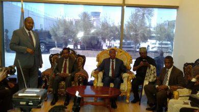 Photo of Daawo sawiro Wasiirka Magacaaban ee Arimaha Dibadda oo goordhaw soo gaaray Muqdisho