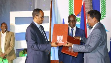 Photo of The New Mogadishu Mayor Takes Office From Thabit