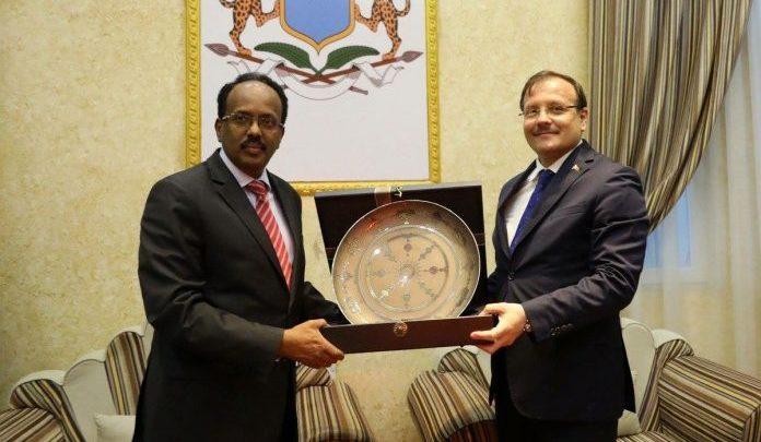Photo of President Farmajo Meets With Turkish Deputy PM In Mogadishu