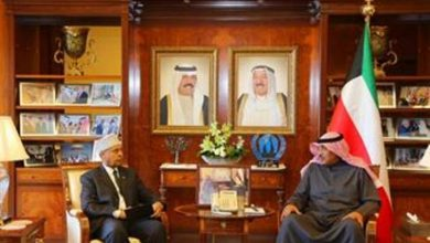 Photo of Kuwaiti FM Receives Somalia's Outgoing Ambassador