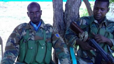 Photo of Al-Shabaab Displays Military Official Defected From Jubbaland Army