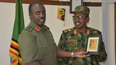 Photo of CDF Muhoozi Hosts Somali Counterpart Gen Hussein