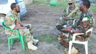 Photo of Jubbaland Leader Visits Troops On Front Line Near Kismayo