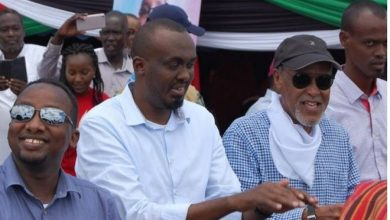 Photo of Garissa leaders blame police for insecurity in the region