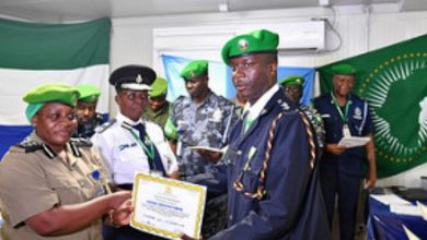Photo of AU awards police officers for peace contribution in Somalia
