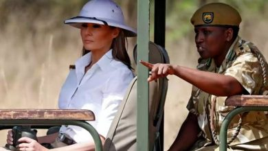 Photo of Melania Trump criticised for wearing colonial-style hat during Kenyan safari