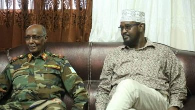 Photo of Somali Army Chief Meets With Jubbaland Leader In Kismayo City