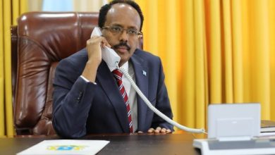 Photo of Somali President Holds Phone Talks With His Kenyan Counterpart