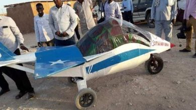 Photo of Somali teen constructs a fighter jet