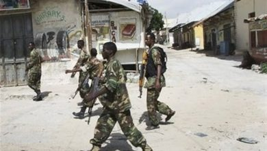 Photo of A Soldier Kills Two Civilians In Mogadishu