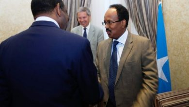 Photo of AU Envoy Meets With Somali President In Mogadishu