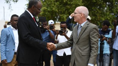 "Photo of UN envoy to Somalia flags need for ""good relations"" between federal member states and federal government"