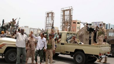 Photo of Yemen's pro-government coalition fractures as separatists grab control in Aden