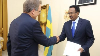 Photo of Farmajo Receives Credentials From New Ambassadors