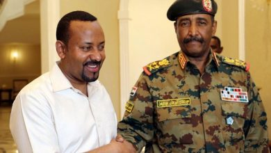 Photo of Ethiopia's peacemaking prime minister emerges as a Nobel favorite