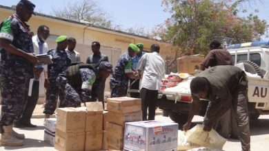 Photo of AMISOM Donates Vital Supplies To Somali Residents In Dhobley