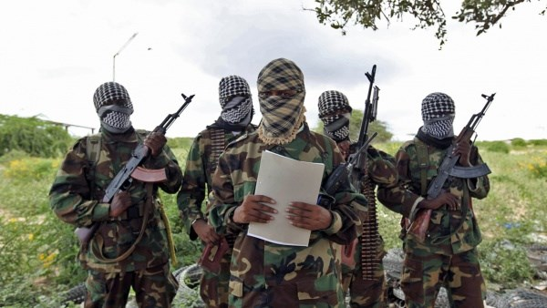 Photo of Al-Shabab militants torch shops, homes in Kenyan border region