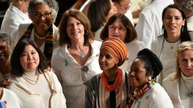 Photo of Tlaib, Omar highlight traditional Palestinian and Somali outfits for address