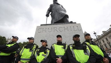 Photo of BLM campaigners demand justice for 12-year-old Somali refugee as police surround Churchill statue
