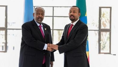 Photo of Abiy Ahmed's peace credentials questioned after forcibly extraditing Djiboutian asylum seeker.