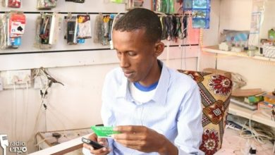 Photo of From barber to business owner, a Somali refugee success story in Dadaab