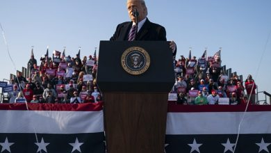 Photo of Trump at Minnesota rally: Biden will turn state into a 'refugee camp'